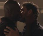 'O outro lado do paraíso': Cido (Rafael Zulu) e Samuel (Eriberto Leão) | Reprodução
