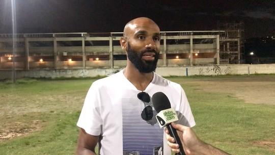 """Em visita a Vitória, Kanouté relembra """"ataque letal"""" com Luis Fabiano"""