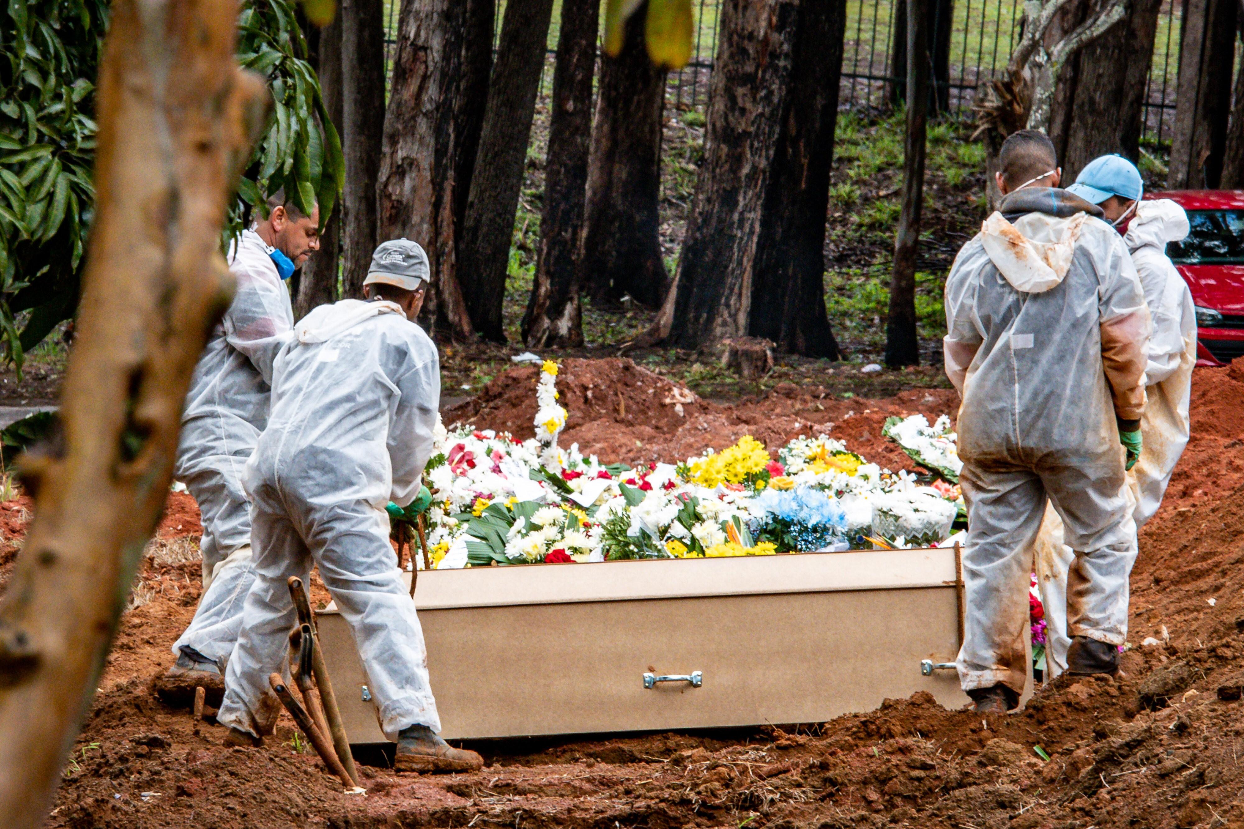 Estado de SP chega a 34,6 mil mortes por Covid-19, com 185 óbitos registrados nas últimas 24h