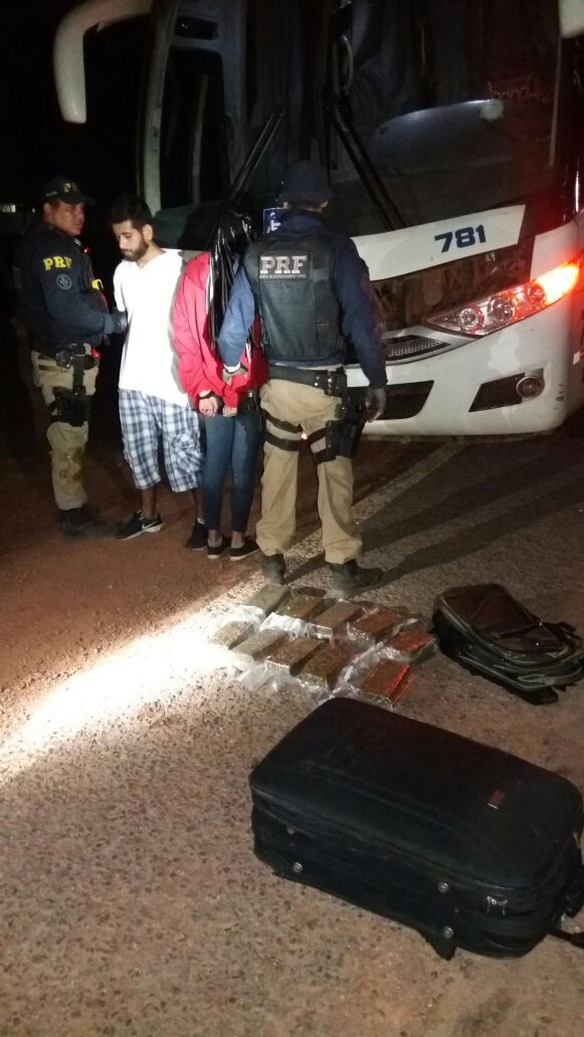 Em Santarém, jovem e adolescente são flagrados com droga em ônibus com destino a Marabá