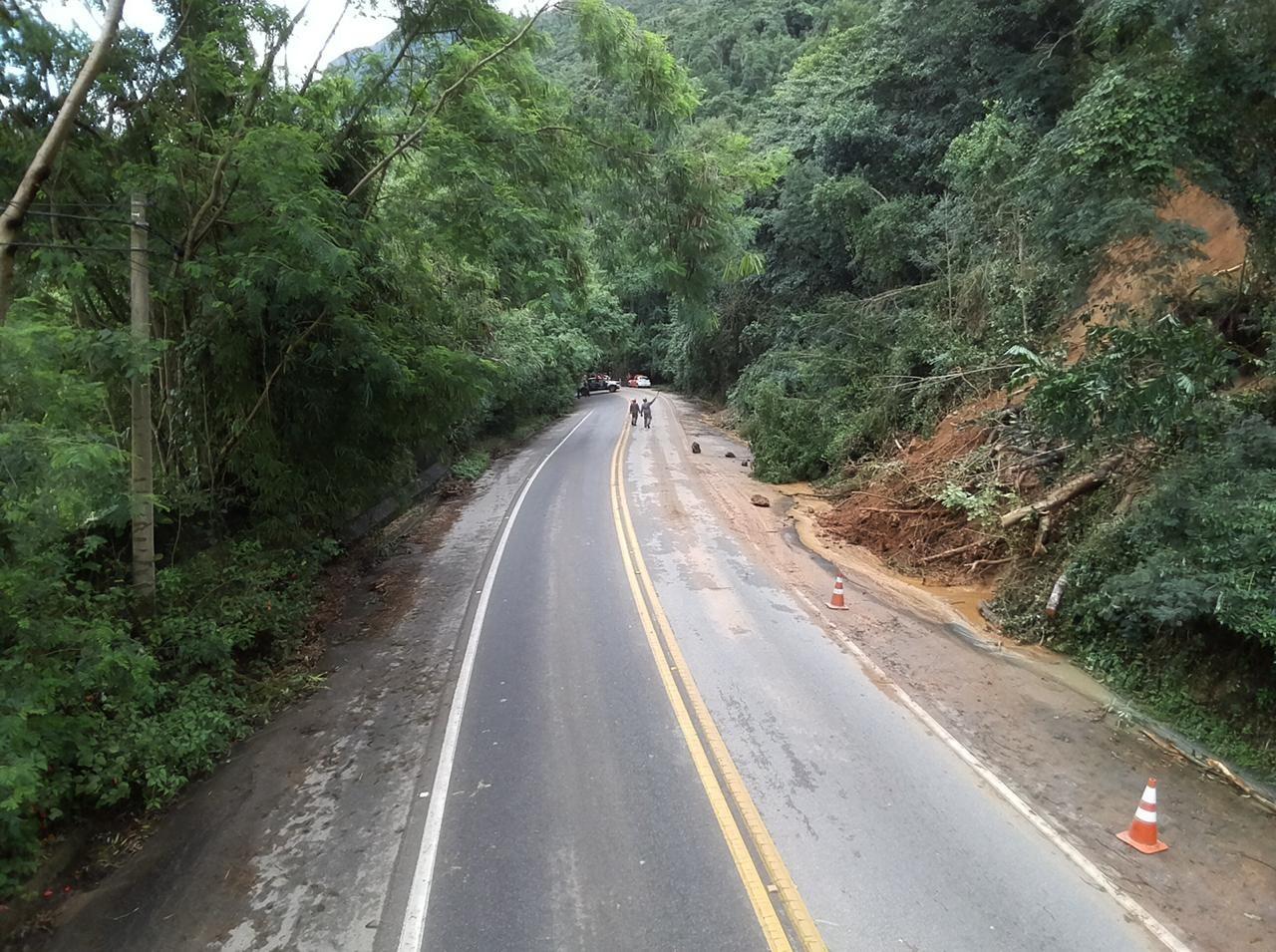Técnicos inspecionam encosta na Rio-Santos em São Sebastião, SP - Noticias