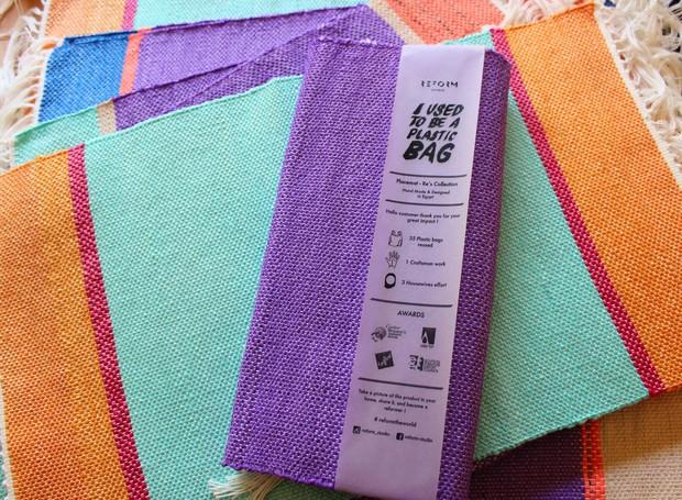 O projeto Plastex é uma linha de têxtil colorida feitos de sacos de plástico reutilizados (Foto: Divulgação)