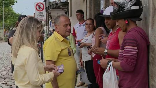 Carlos Manato fala sobre recuperação de rodovias em dia de campanha no ES