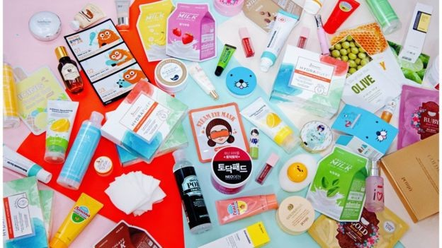 Embalagens 'divertidas' também atraem os consumidores (Foto: K BEAUTY BAR/JINMEE BEAUTY/Via BBC News Brasil)