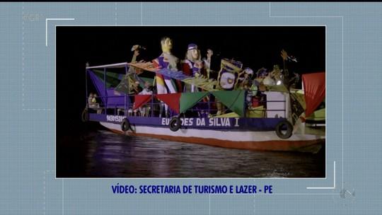 Bonecos gigantes Zé Pereira e Vitalina partem de balsa em Belém do São Francisco rumo ao Carnaval do Recife