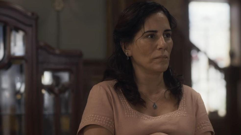 Lola (Gloria Pires) se desespera com sumiço de Alfredo (Pedro Sol/Nicolas Prattes) em 'Éramos Seis' — Foto: Globo