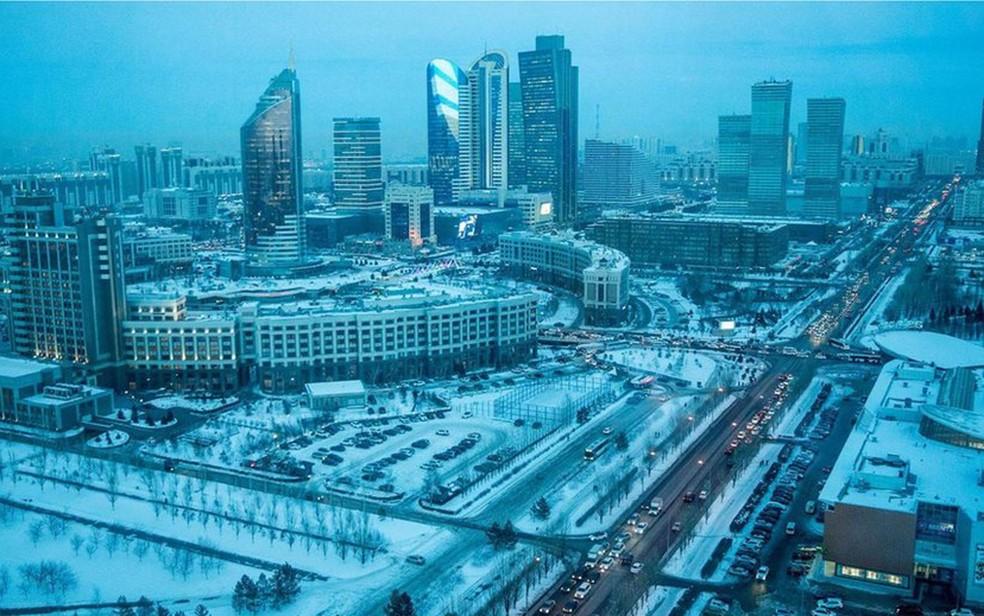 O russo é a língua escolhida em cidades do Cazaquistão como a capital, Astana (Foto: BBC/Taylor Weidman)