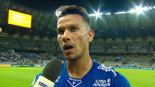 Henrique rebate pergunta sobre vaias e minimiza reação da torcida após empate do Cruzeiro