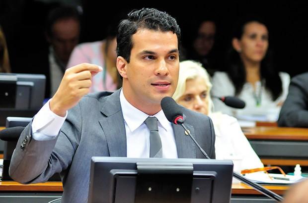 Irajá Abreu (PSD), senador mais jovem, é filho de Kátia Abreu