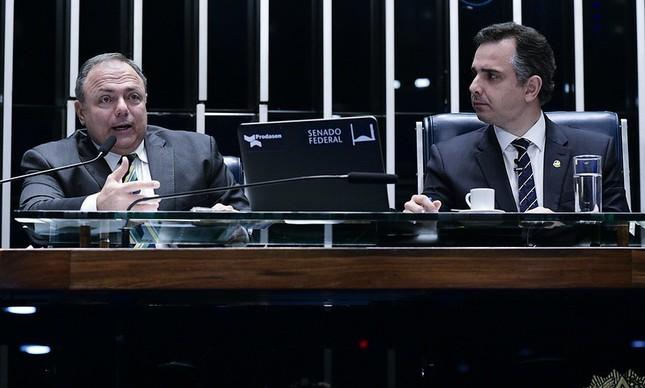 Rodrigo Pacheco e o ministro Pazuello no Congresso: