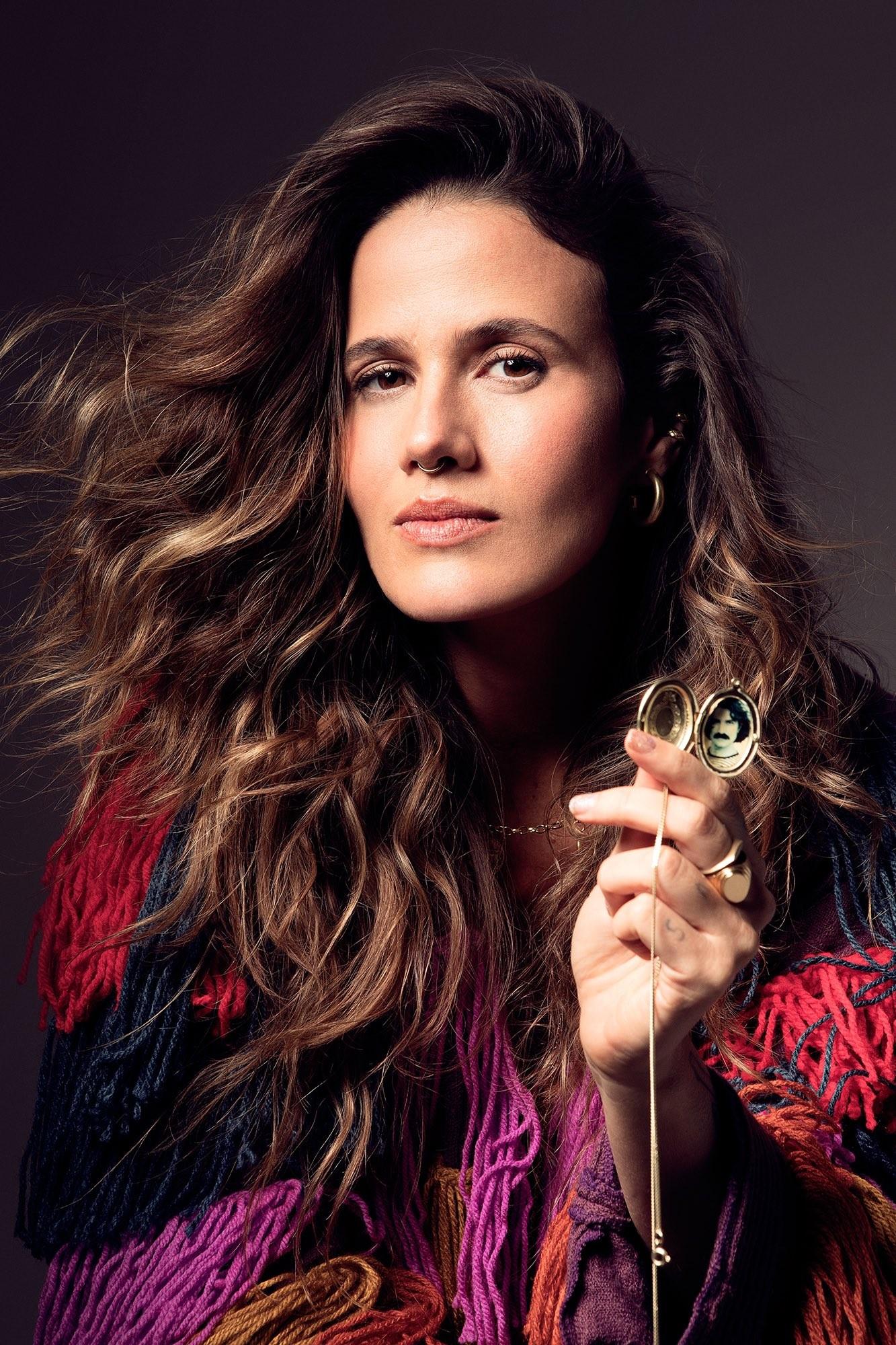 Ana Cañas poda excessos ao cantar Belchior sem firulas em álbum com as melhores músicas do compositor
