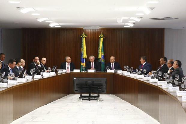 Michel Temer se reúne com governadores para discutir a dívida dos estados (Foto: Reprodução/Twitter)