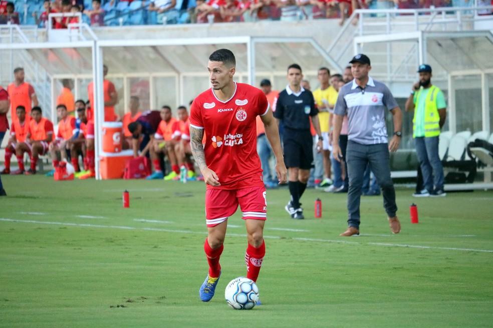 Danilo tem contrato com o América-RN até 2019 e será emprestado ao Cuiabá (Foto: Augusto Gomes/GloboEsporte.com)