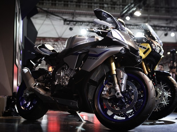 Yamaha R1M é apresentada no Salão Duas Rodas 2015 (Foto: Caio Kenji/G1)