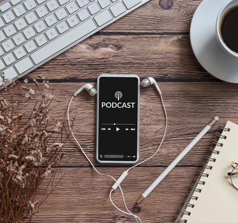 Podcasts na mira das gigantes da tecnologia