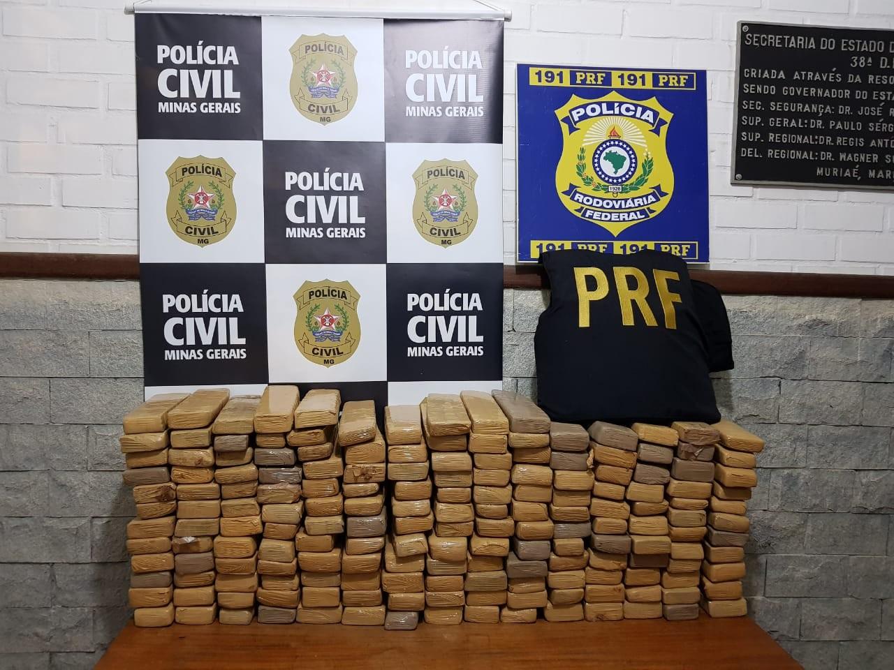 Mais de 130 kg de maconha são apreendidos na BR-116 entre Fervedouro e Divino