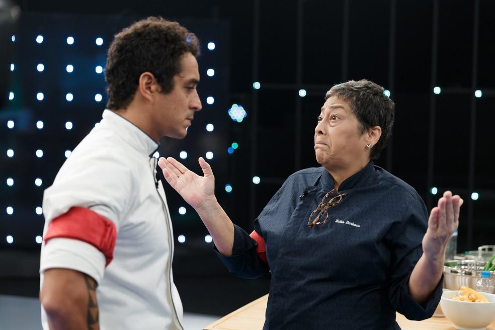 Dário teve leve atrito com Kátia Barbosa durante a prova em equipes — Foto: Globo/Samuel Kobayashi