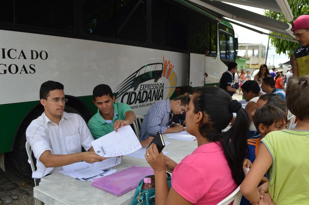 Ônibus do Expresso da Cidadania estará em Piaçabuçu e Feliz Deserto — Foto: Divulgação/Ascom Defensoria Pública