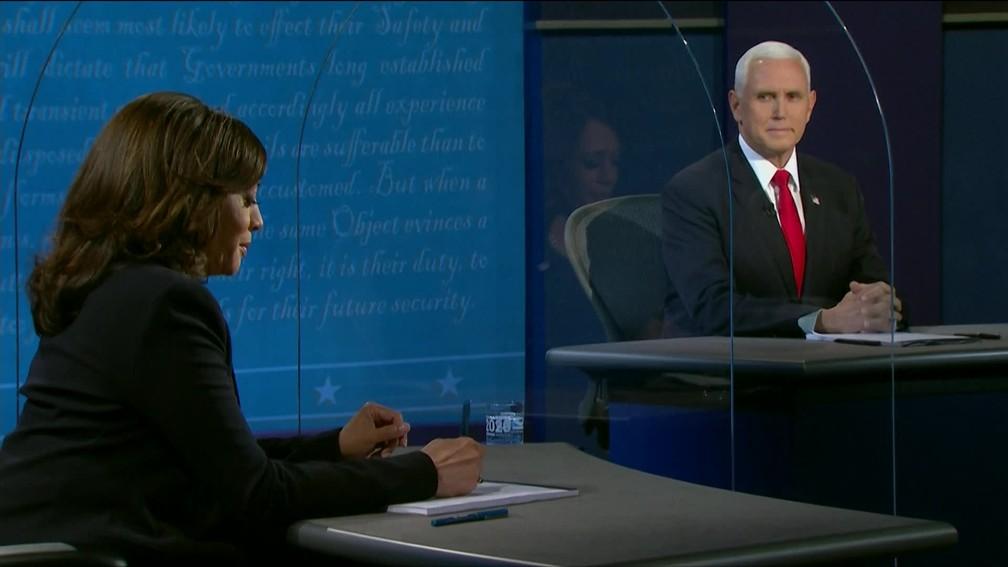 Debate entre os candidatos a vice presidência Kamala Harris e Mike Pence nesta quarta (7) — Foto: Reprodução/Globonews