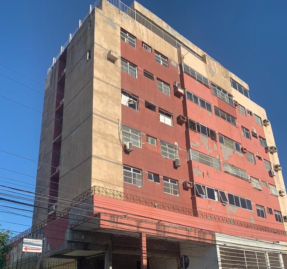 Edifício fica localizado na Rua João Lobo Filho, no Bairro de Fátima — Foto: Marina Alcântara