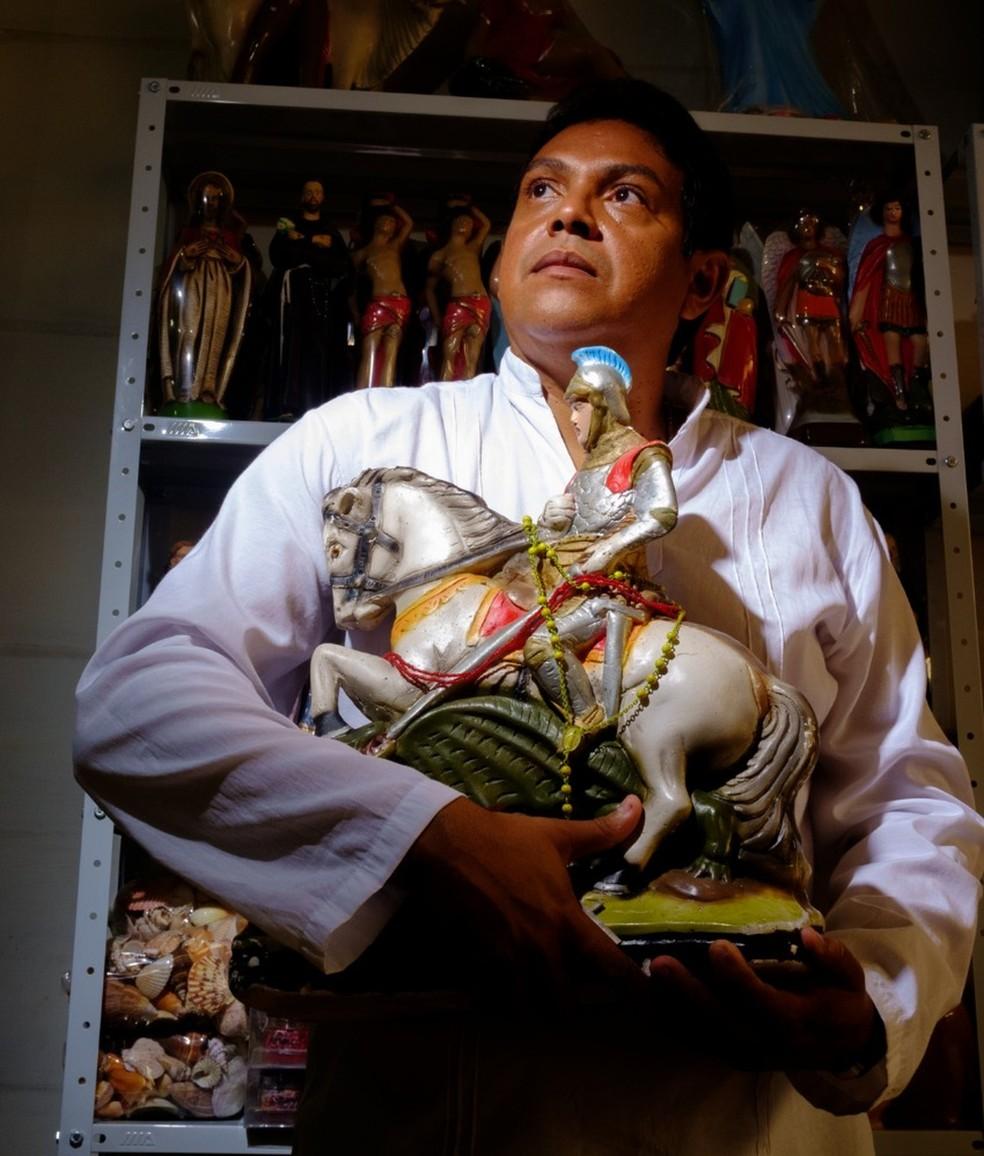 Carlos Britto é atração desta semana no Beco da Lama — Foto: Divulgação