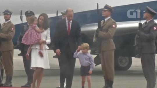 Príncipe William e família chegam à Polônia para visita