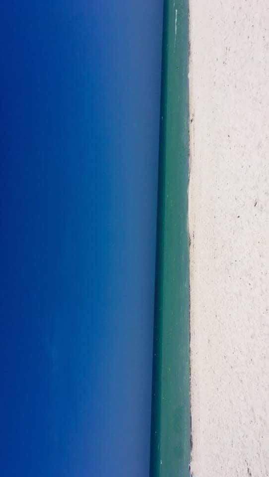 Uma porta ou uma praia? (Foto: Reprodução/Twitter)