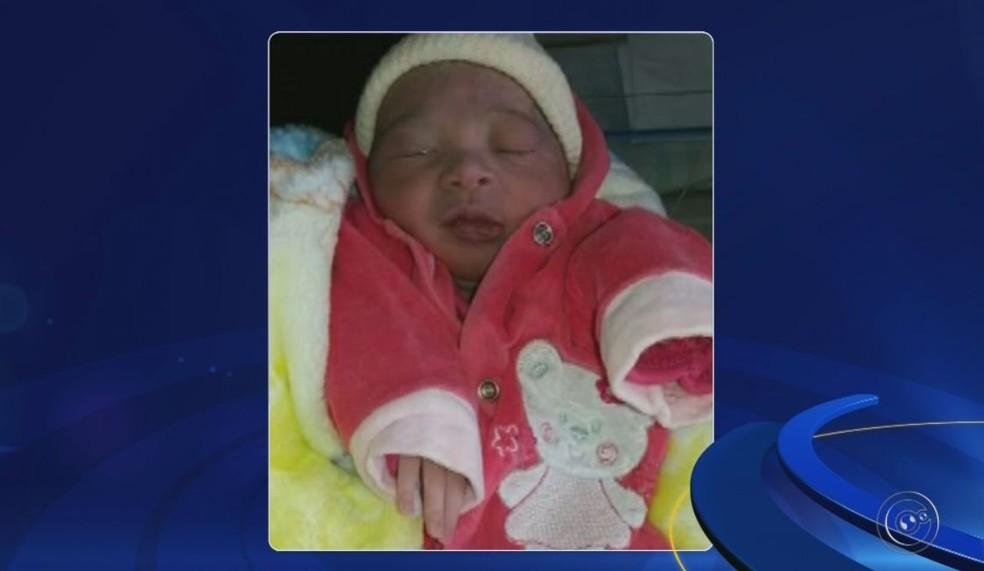 Sofia nasceu nesta madrugada e familiares devem abrigar o bebê a e a mãe após tempestade destruir a casa onde viveriam na zona sul de Marília  (Foto: Reprodução / TV TEM )