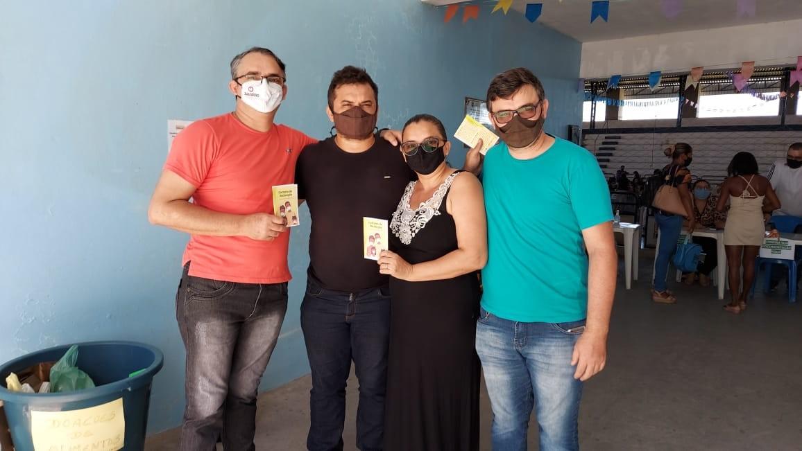 Quatro irmãos são vacinados no mesmo dia contra Covid-19 no Ceará