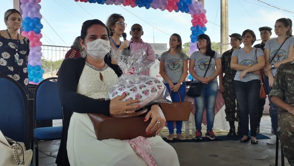 Ijoma completa 9 anos e entrega almofadas terapêuticas a mulheres com câncer, em Macapá - Noticias