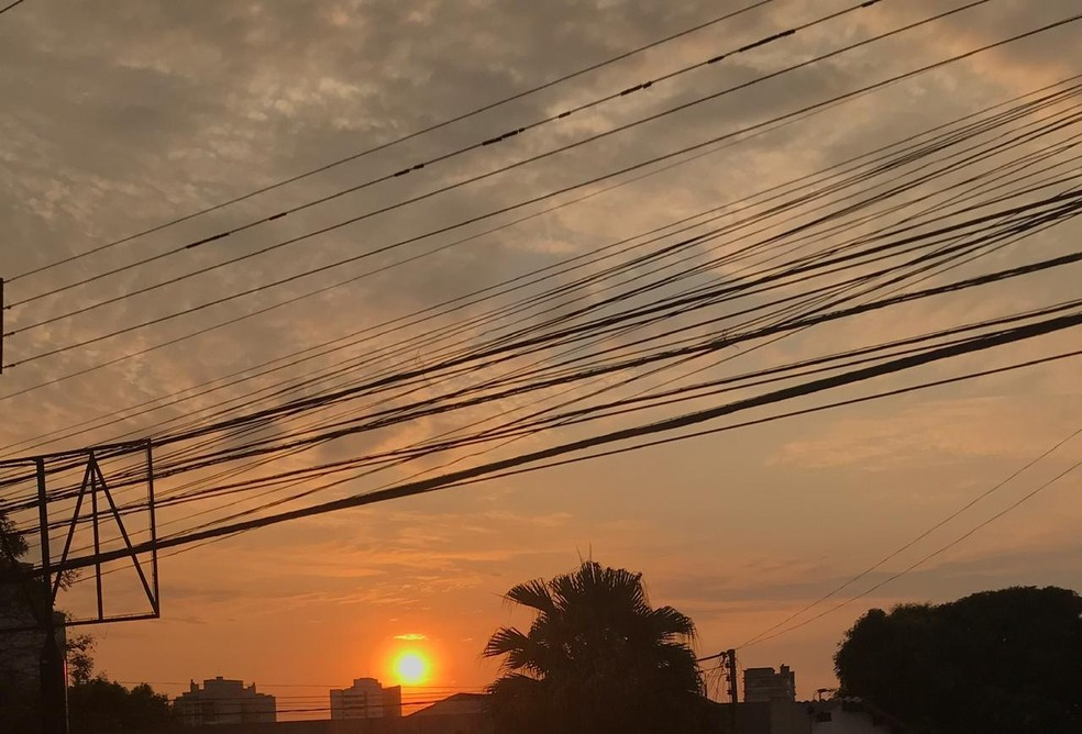 Temperatura deve subir em Cuiabá — Foto: Kessillen Lopes/ G1
