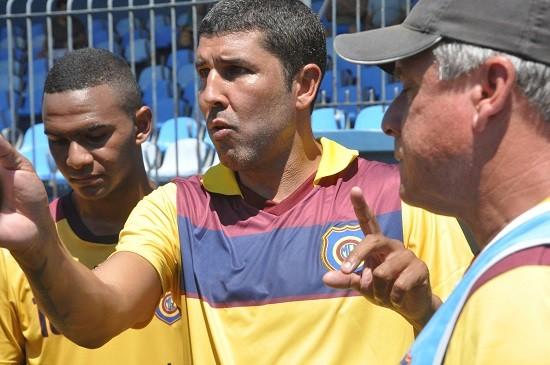 Djair é o treinador do Madureira: a Copa São Paulo marca sua estreia na função