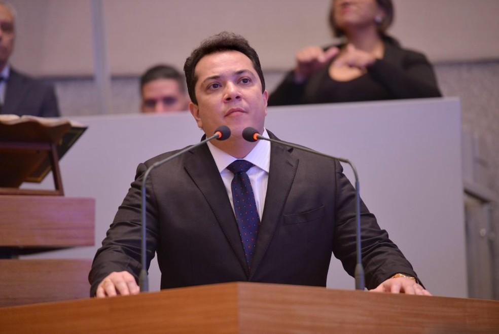 O deputado distrital José Gomes, na CLDF — Foto: Divulgação