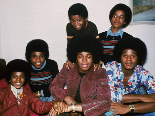 Os irmãos Jackson, Jackie, Tito, Jermaine, Marlon, Michael e Randy (Foto: Getty Images)