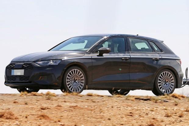 Audi A3 é flagrado em testes (Foto: Automedia)