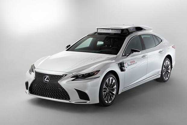 Atualmente a Toyota já possui um carro autônomo para pesquisas, o TRI-P4 (Foto: Divulgação)