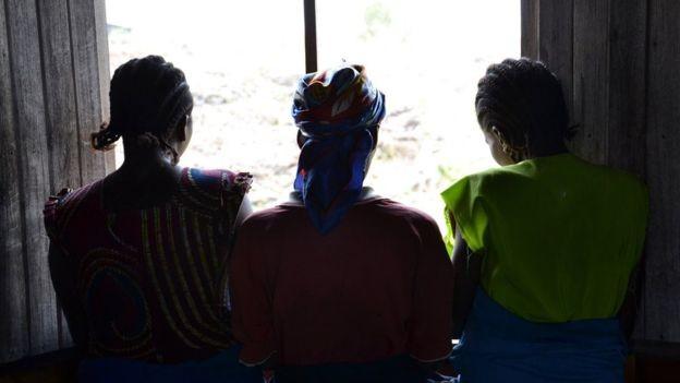 O vencedor do Prêmio Nobel já atendeu mais de 30 mil mulheres feridas gravemente durante estupros, na República Democrática do Congo (Foto: HABIBOU BANGRE/GETTY IMAGES via BBC News Brasil)