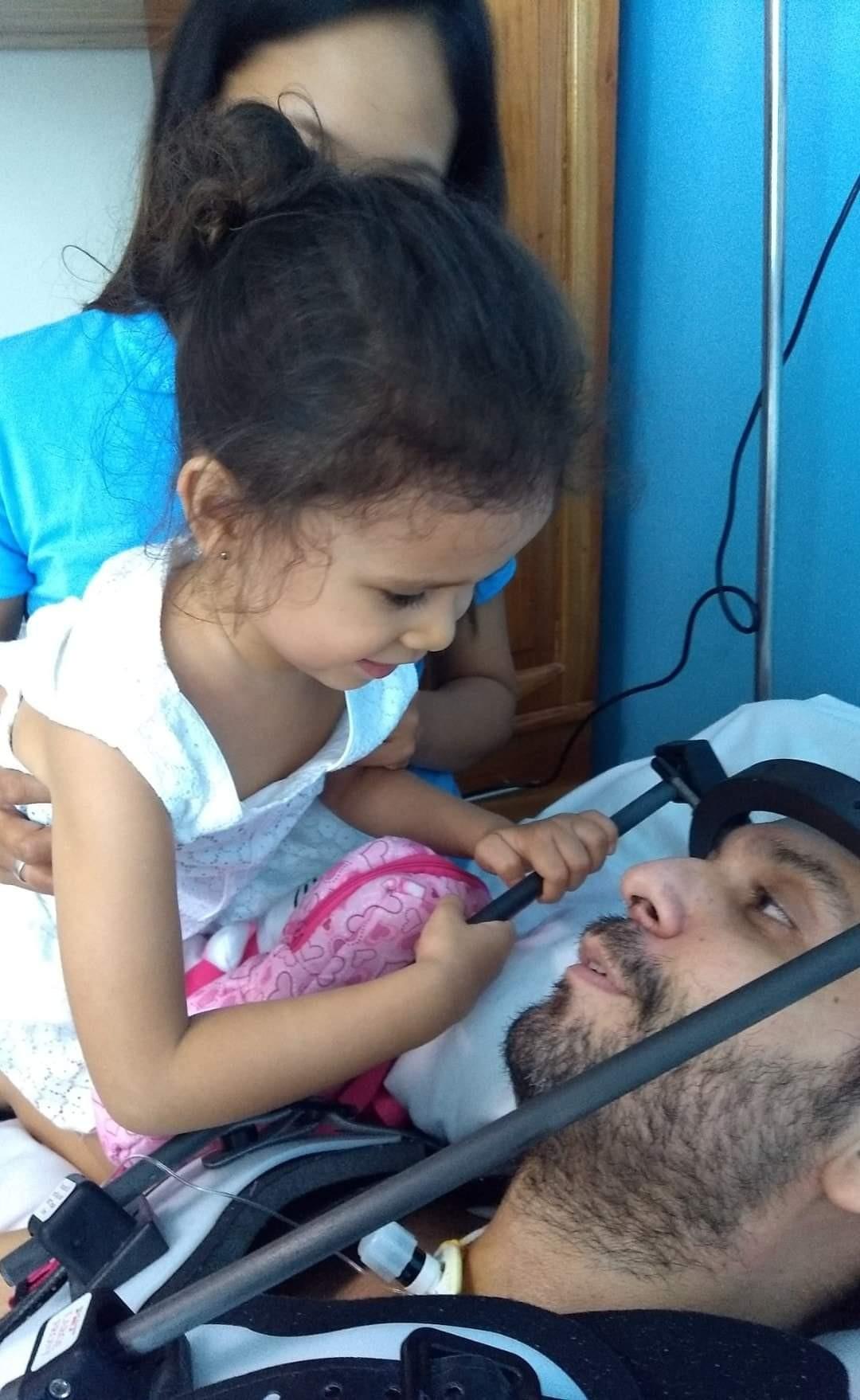 'Minha tia vendeu a casa para ir cuidar dele', diz primo de brasileiro que ficou paraplégico em acidente nas Filipinas