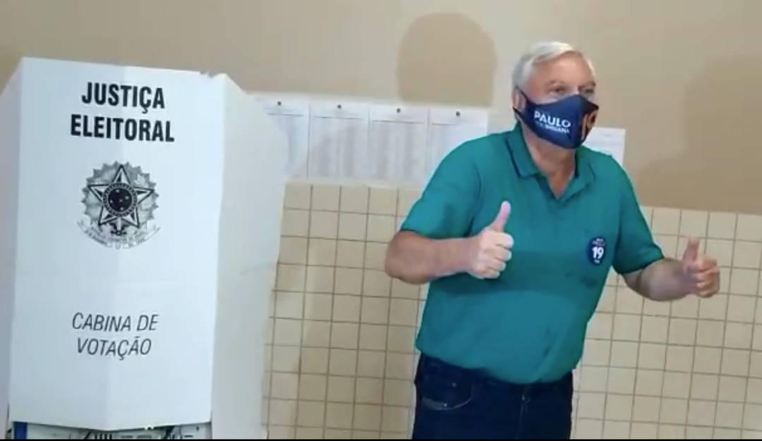 Paulo Mac Donald votou por volta das 9h, no Colégio Bartolomeu Mitre