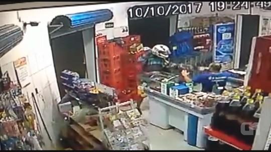 Supermercado é assaltado em São João da Boa Vista, SP; veja vídeo