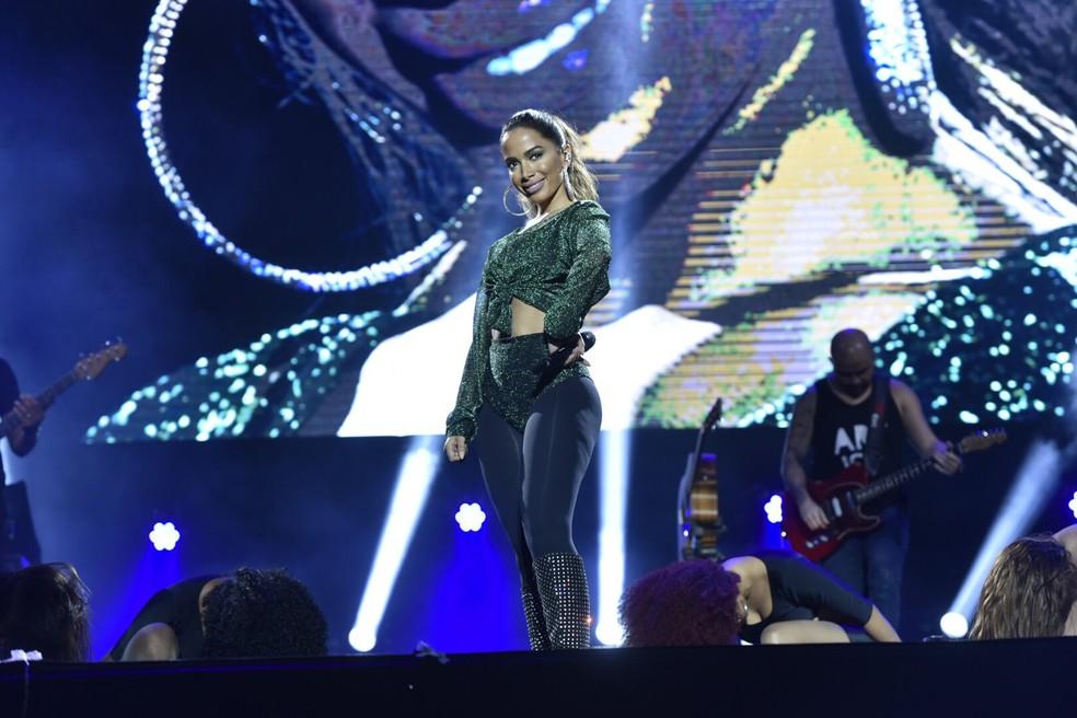 Anitta no palco da Arena Fonte Nova (Foto: Elias Dantas/Ag. Haack)