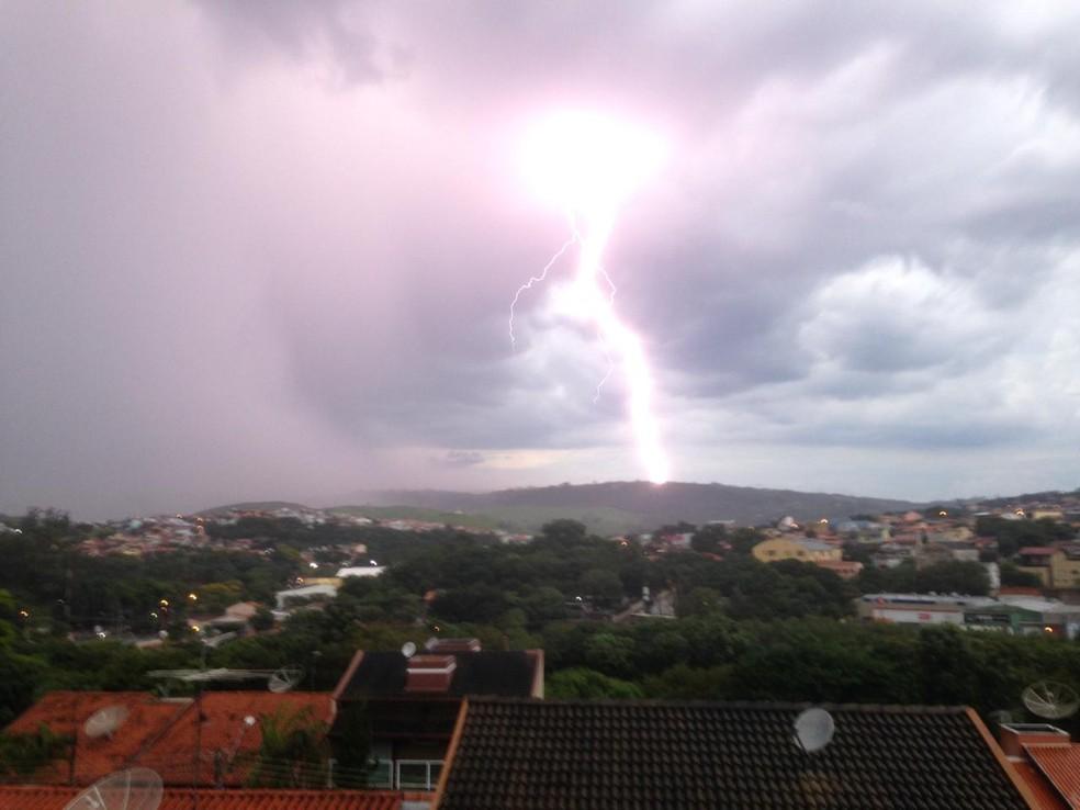 Temporal atingiu Campinas no fim da tarde desta quarta-feira (1º) — Foto: Luiz Polvere