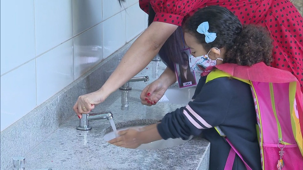 Volta às aulas nas escolas do Distrito Federal. — Foto: TV Globo/Reprodução