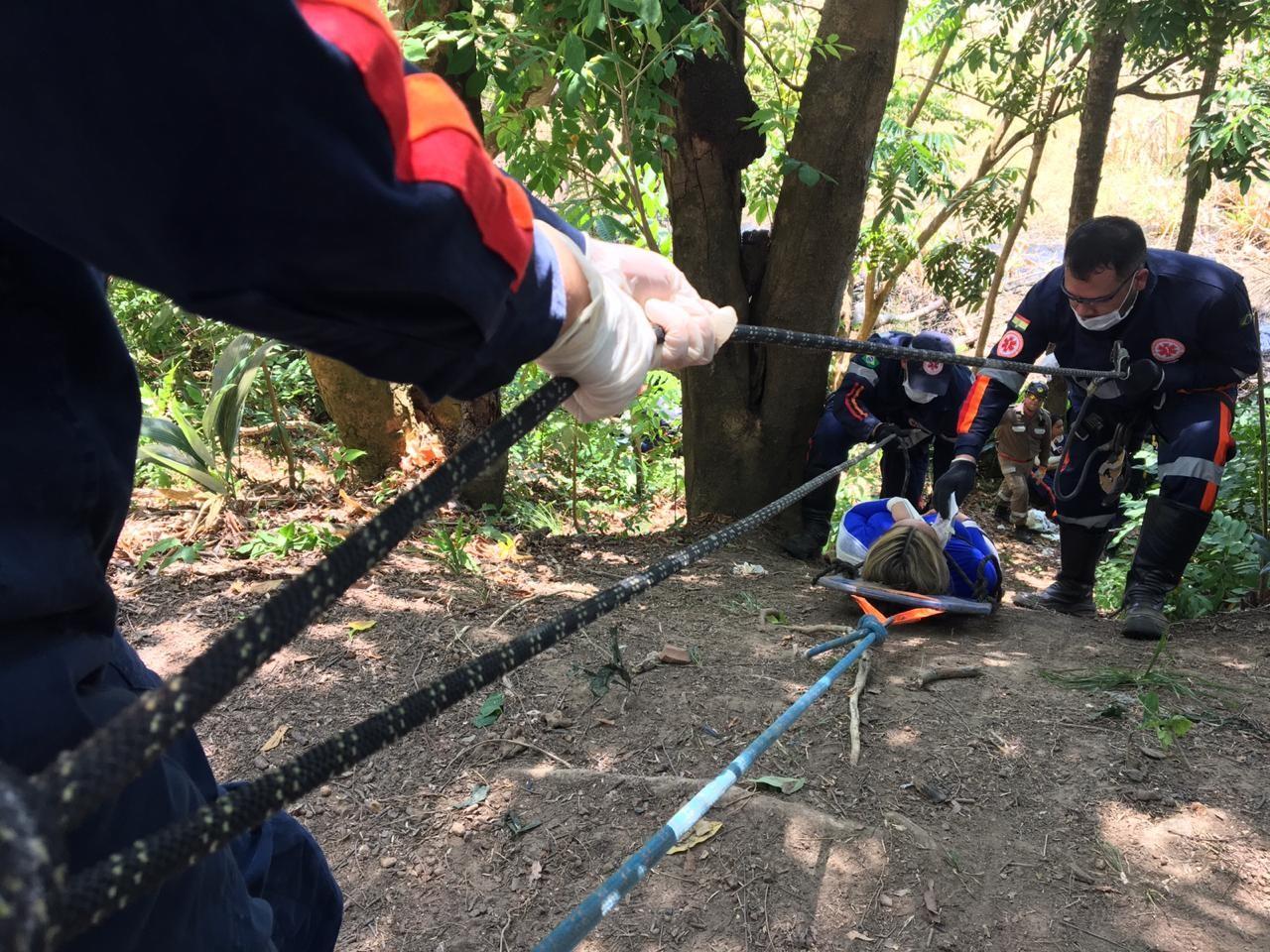 Treinamento em Macapá simula acidentes com resgate e socorro a vítimas feridas em área de mata - Notícias - Plantão Diário