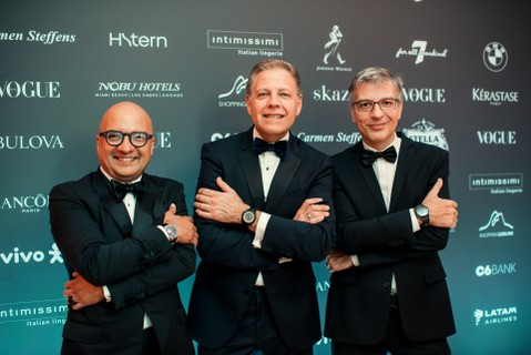 Michael Benavente, Fábio Prado e Alfaoud Baksh, do time Bulova