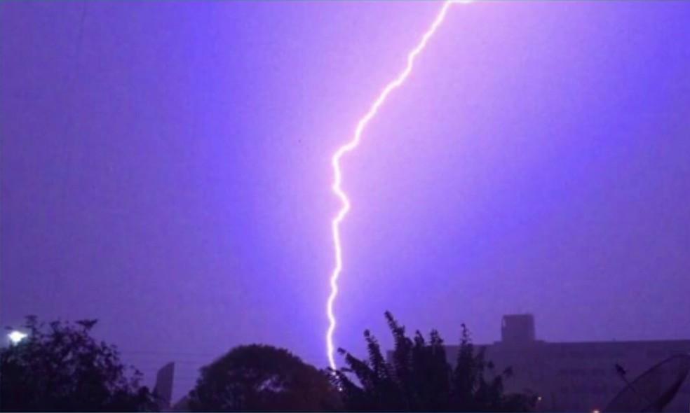 Cosern registra 3.063 interrupções de energia provocadas por raios no RN em 2020 — Foto: Ronildo Medeiros