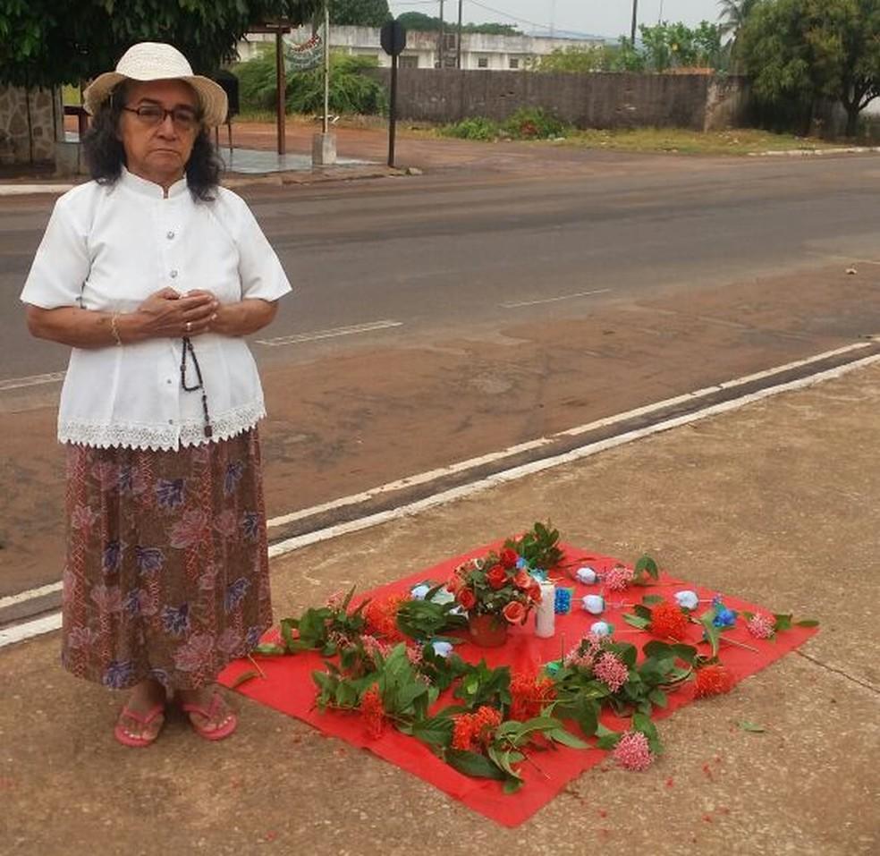 Homenagem foi feita  no cruzamento da Avenida Plácido de Castro com a rua Agripina de Matos, no bairro Caranazal (Foto: Serafina Campos/Arquivo Pessoal)