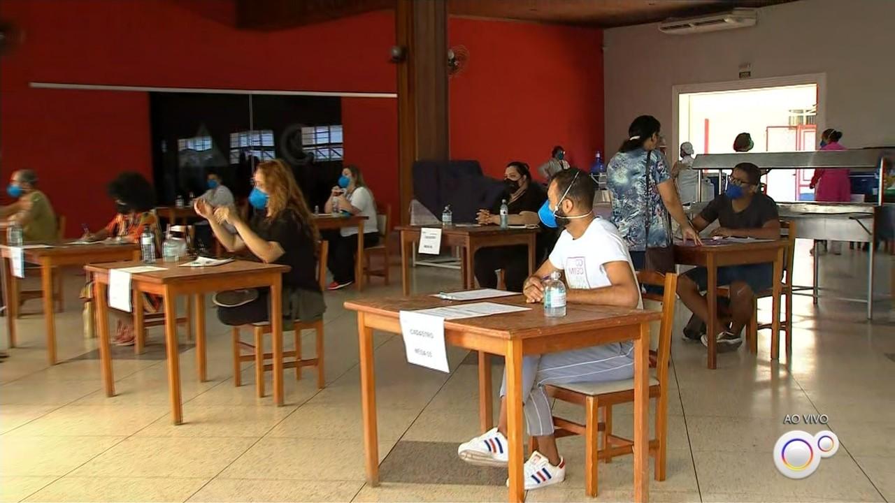 Profissionais da educação começam a ser vacinados contra a Covid na região de Sorocaba