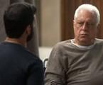 Diogo (Armando Babaioff) e Alberto (Antonio Fagundes) | TV Globo