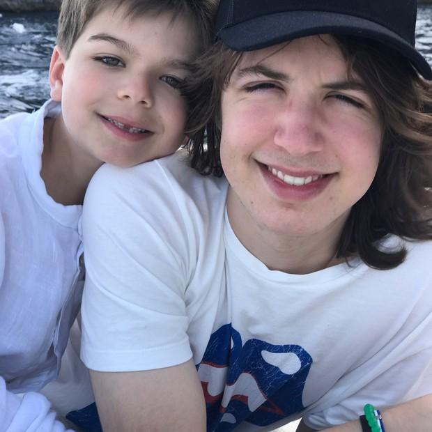 Lucas Jagger e o irmão Lorenzo (Foto: Reprodução/Instagram)
